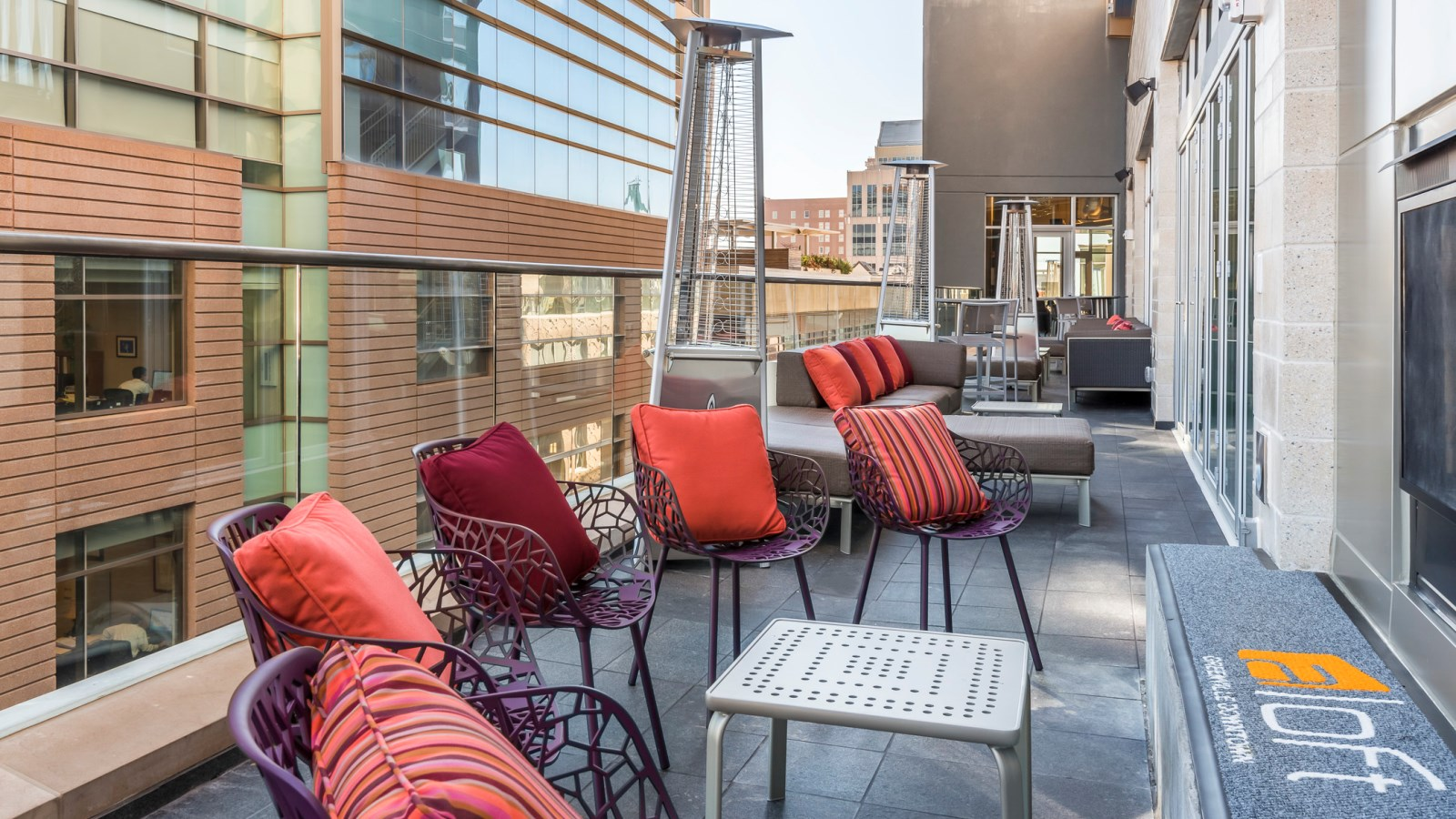 Aloft Greenville Downtown - The Ledge